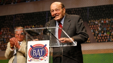 Joe Garagiola Sr. talks after being honored during the Inaugural Celebrity Ball for B.A.T at Talking Stick Resort in Scottsdale, AZ on March 2, 2011 (Photo by Jordan Megenhardt/MLB)